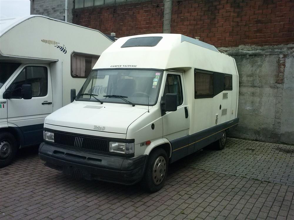 Camper valtesse camper bergamo camper e caravan nuovi e for Monoscocca in vetroresina